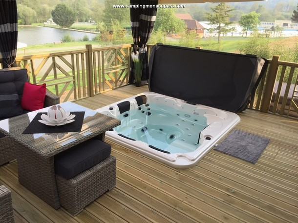 Mobil Home Luxe Jacuzzi Privatif Terrasse Panoramique Camping
